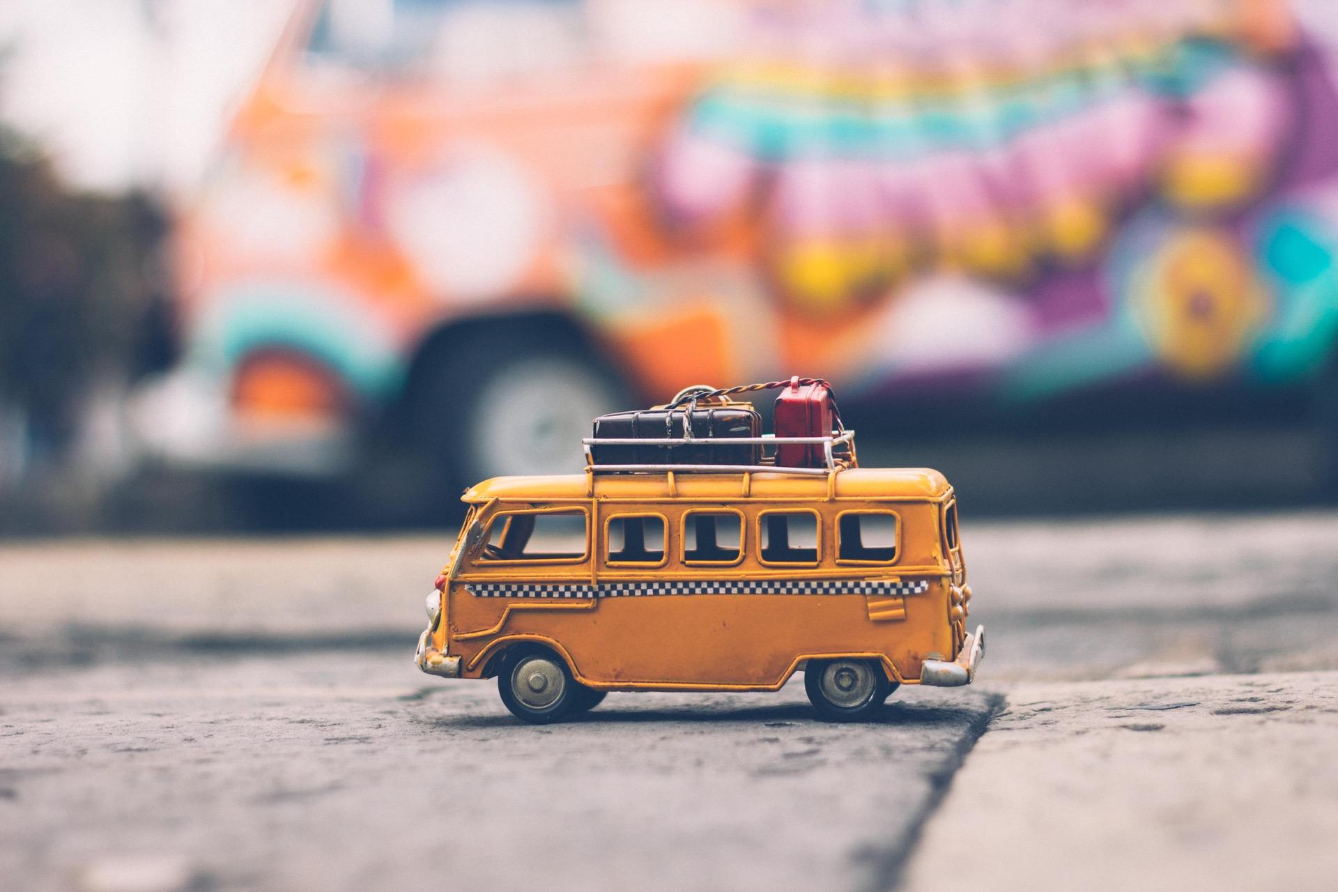 kombi-miniatura-malas-viagem-estudar-fora