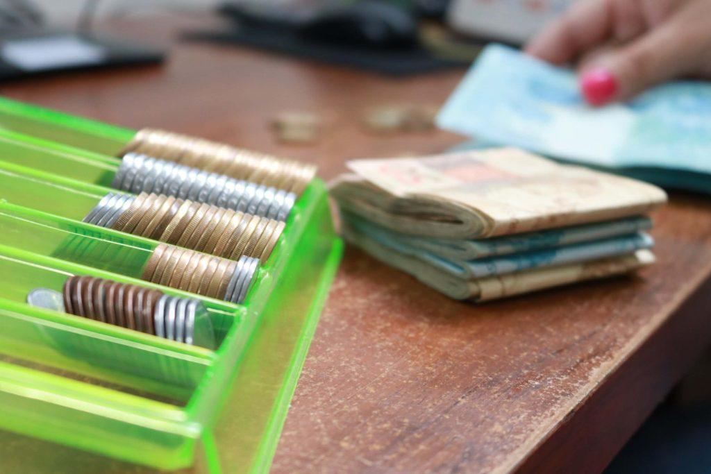 Ciências Contábeis UCPel: dinheiro, moedas e cédulas