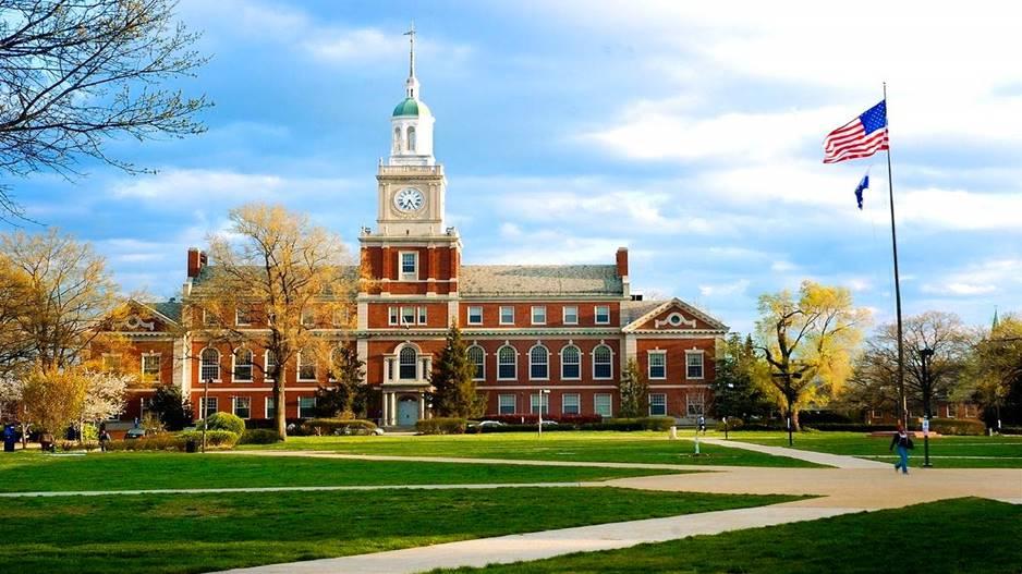 Intercâmbio em Harvard: foto fachada prédio de Harvard