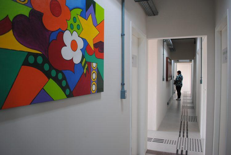 Psicologia na UCPel: corredor da clínica Psicológica, localizada no Campus Saúde da UCPel.