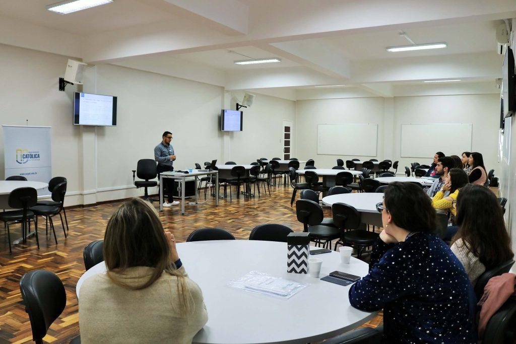UCPel e as novas gerações: atividade na sala de metodologias ativas