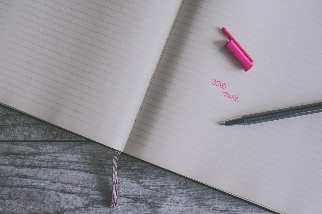 texto-rosa-comece-hoje-vantagens-competitivas