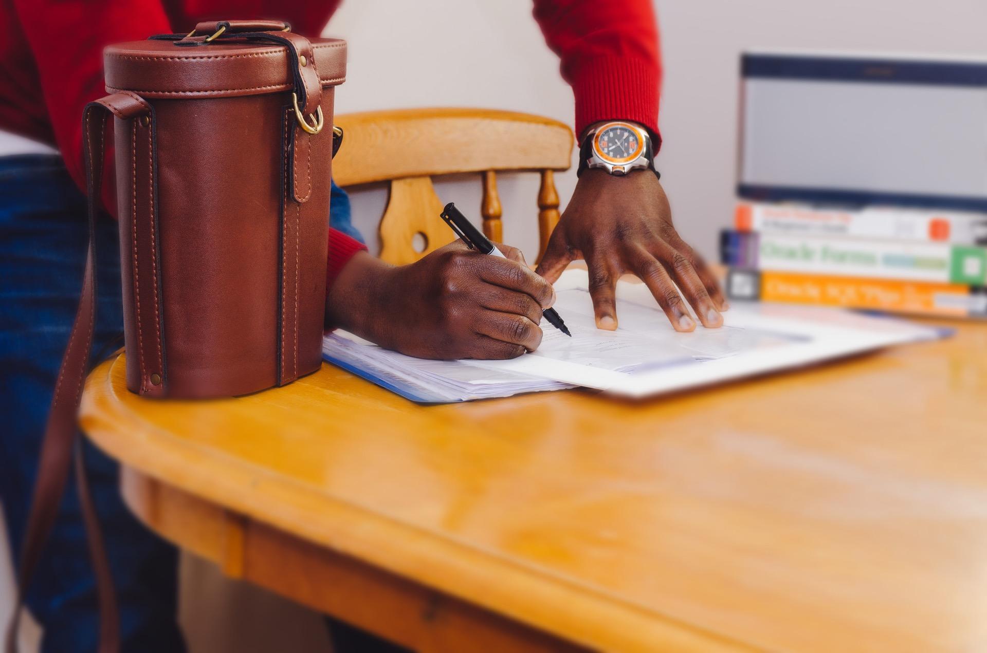 estudar-universidade-mercado-de-trabalho