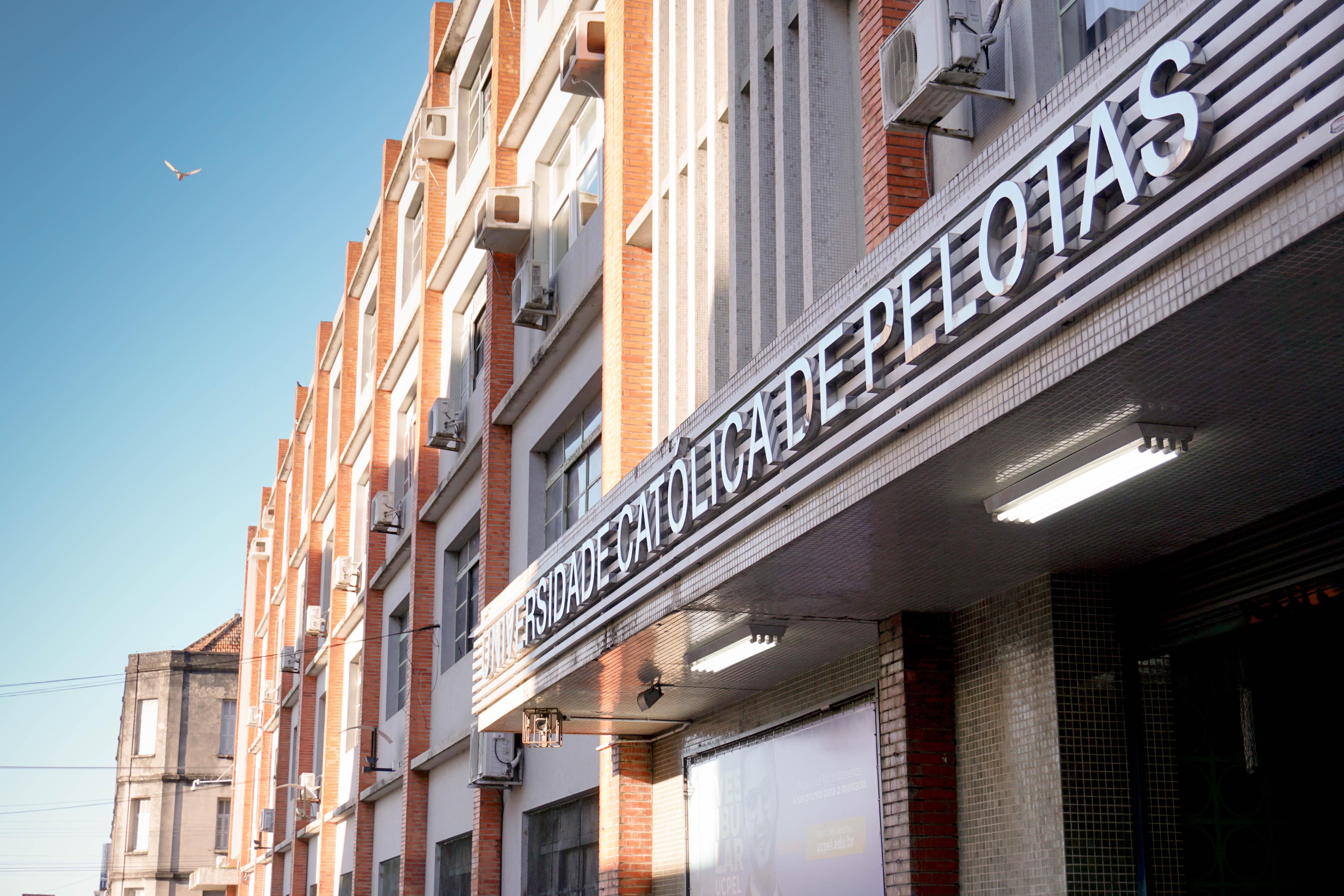 Estudar na UCPel: fachada Campus I