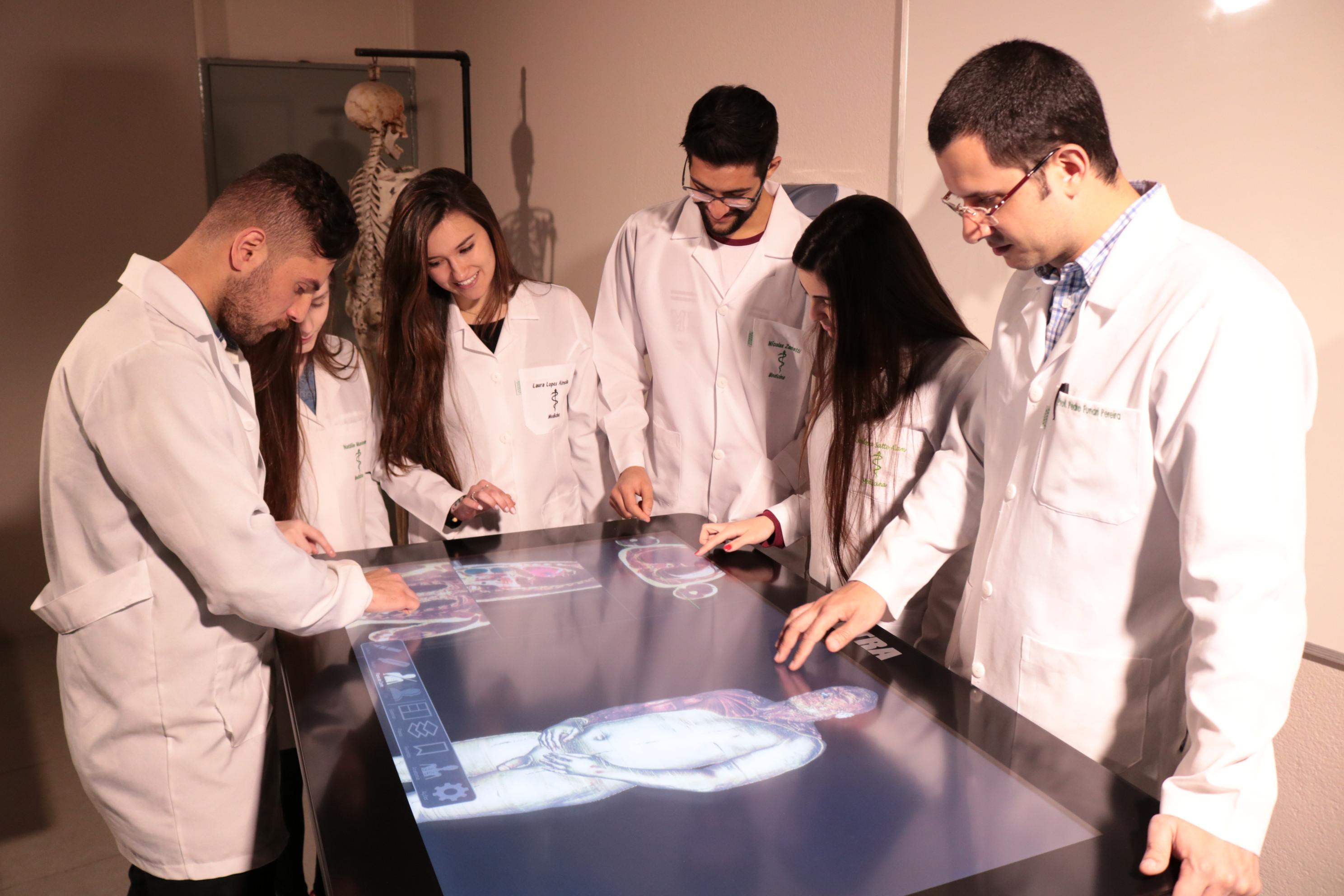 estudar na ucpel - mesa sectra - tecnologia - Foto Alisson Assumpção