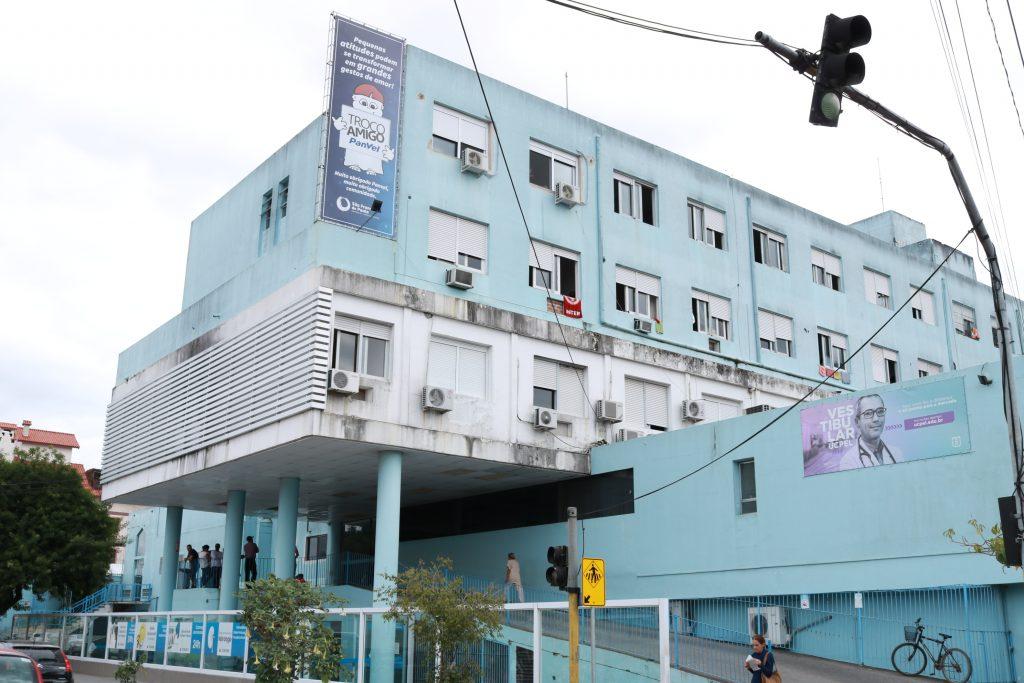 Estrutura da UCPel - fachada Hospital Universitário São Francisco de Paula