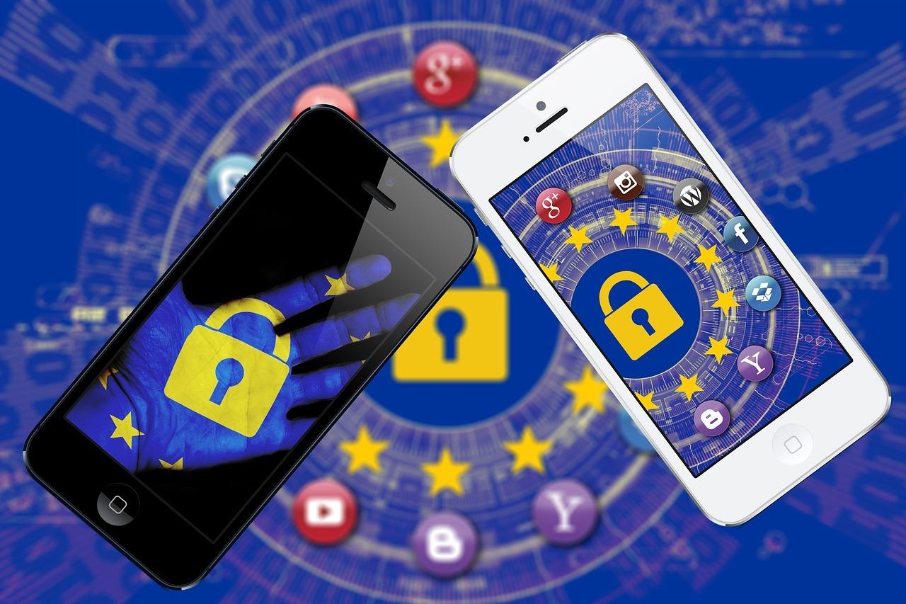Celulares com proteção simbolizam o Direito Digital
